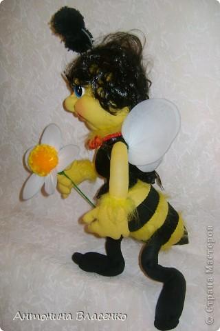 Давно хотела сделать пчелку, как  получилась, судить вам. фото 5