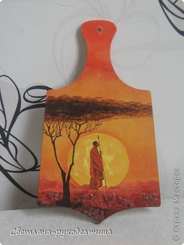 Моя первая досочки, которую я сделала на мастер- классе. С неё то и началось моё творчество. Уже потом были бутылки и деревья. фото 3