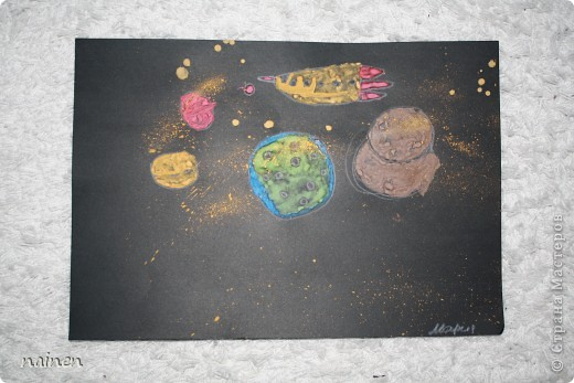 Работаю в очень интересном месте - в детском центре развития SuperKids в городе Espoo в Финляндии :) Помимо своей основной логопедической работы, веду уроки рисования :) Подводный мир глазами детей. Использовали полиэтиленовые пакеты для создания фона. Рисунок мой дочки, ей 5 лет. фото 9
