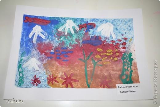 Работаю в очень интересном месте - в детском центре развития SuperKids в городе Espoo в Финляндии :) Помимо своей основной логопедической работы, веду уроки рисования :) Подводный мир глазами детей. Использовали полиэтиленовые пакеты для создания фона. Рисунок мой дочки, ей 5 лет. фото 1