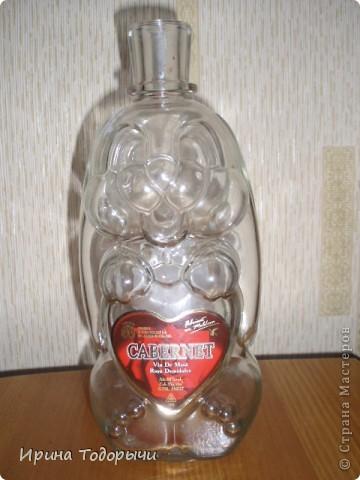 девочки, помогите.Вот достала такую бутылочку и не знаю как ее за декорировать.Подскажите пожалуйста. фото 1