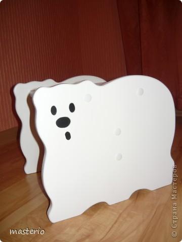 """Детская кровать """"Белый мишка"""" и комплект """"Медвежатки"""" (стол, стульчик, табурет и скамеечка). фото 5"""