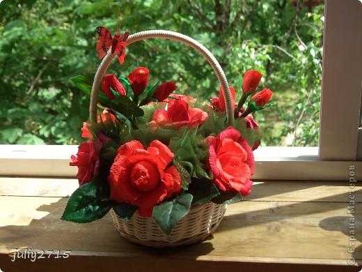 Сделала корзинку в красных тонах, это не потому что люблю красный, просто другого цвета не было. фото 1