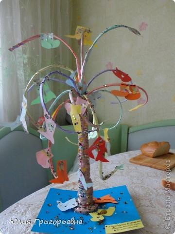 Это дерево из газетных трубочек мы с сынулей сделали на конкурс в школу фото 1