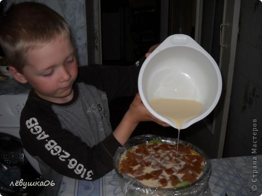вот такой тортик мы сотворили, помогал мне , как всегда, сынишка со своими друзьями( машинками) МК похожего тортика я видела у Ксюшы25, но мы делаем немножко  подругому) фото 13
