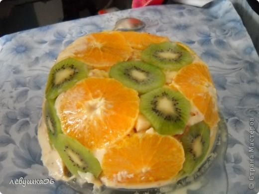 вот такой тортик мы сотворили, помогал мне , как всегда, сынишка со своими друзьями( машинками) МК похожего тортика я видела у Ксюшы25, но мы делаем немножко  подругому) фото 1