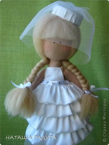 Сшила по своей выкройке( по которой шила куколку в пальтишке) жениха и невесту. фото 3