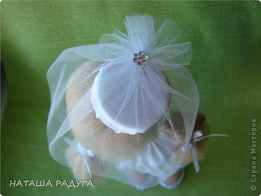 Сшила по своей выкройке( по которой шила куколку в пальтишке) жениха и невесту. фото 4