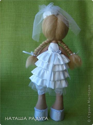 Сшила по своей выкройке( по которой шила куколку в пальтишке) жениха и невесту. фото 7