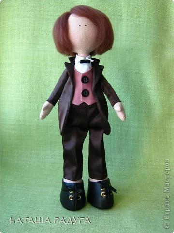 Сшила по своей выкройке( по которой шила куколку в пальтишке) жениха и невесту. фото 8