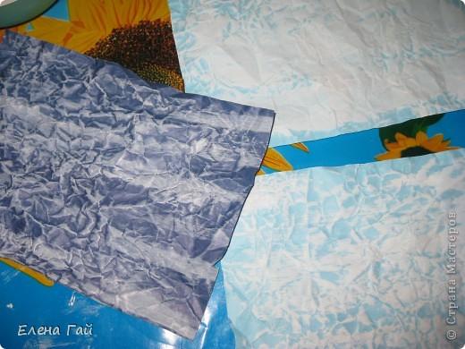 Идея не моя, но решила показать  поэтапность выполнения такой работы, вдруг кому пригодится)) Нам нужен: Картон (для основы), цв. бумага, клей, ножницы, краска, губка (например, для мытья посуды) фото 4