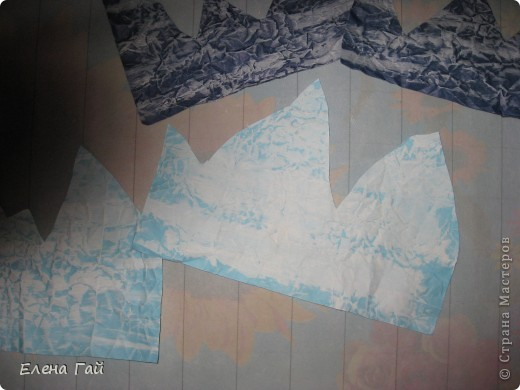 Идея не моя, но решила показать  поэтапность выполнения такой работы, вдруг кому пригодится)) Нам нужен: Картон (для основы), цв. бумага, клей, ножницы, краска, губка (например, для мытья посуды) фото 5