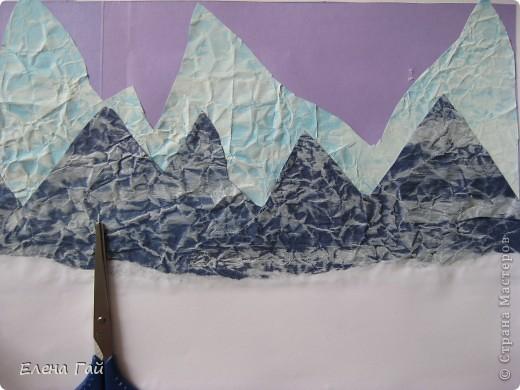 Идея не моя, но решила показать  поэтапность выполнения такой работы, вдруг кому пригодится)) Нам нужен: Картон (для основы), цв. бумага, клей, ножницы, краска, губка (например, для мытья посуды) фото 9