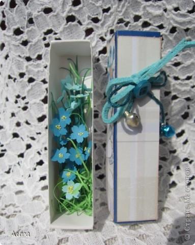 Доброго всем дня! Накрутила я пару миниатюрных букетиков, просто так... Спичечные коробки - вместо рамочек:)) Бумага 1мм, разной плотности. фото 4