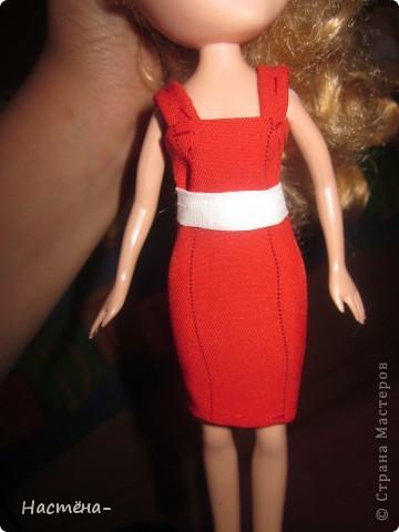 Вот такое платье я сшила для своей на куклу Мокси. Вид спереди. фото 1
