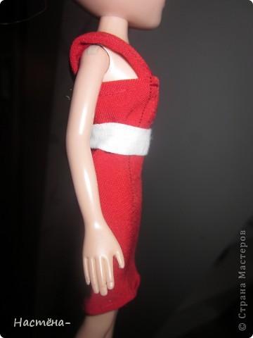 Вот такое платье я сшила для своей на куклу Мокси. Вид спереди. фото 2
