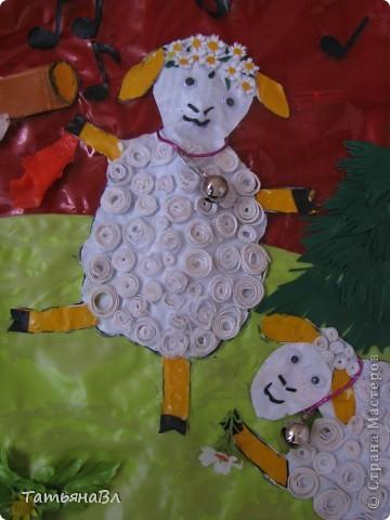 """"""" Пастушок"""",работа сделана из старых рваных плавательных детских кругов, матрасов, скатерти, обложек для книг. фото 4"""