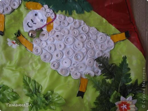 """"""" Пастушок"""",работа сделана из старых рваных плавательных детских кругов, матрасов, скатерти, обложек для книг. фото 5"""