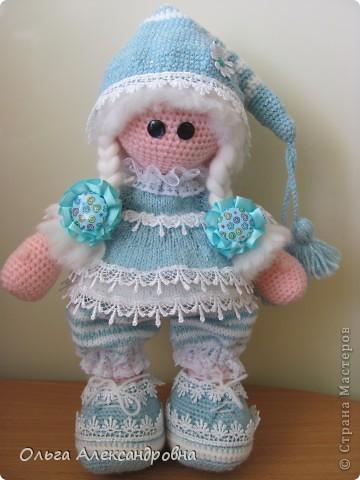 Девчата, вот такая Сплюшка у меня родилась. Очень нравится вязать именно куколок. Думаю, что получился образ неплохо. За основу взята Снежка с Амигуруми, а наряд - мое воображение. фото 8