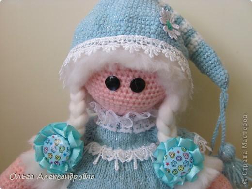 Девчата, вот такая Сплюшка у меня родилась. Очень нравится вязать именно куколок. Думаю, что получился образ неплохо. За основу взята Снежка с Амигуруми, а наряд - мое воображение. фото 7
