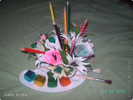 Букет из конфет (подарок художнику) фото 1