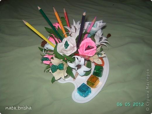 Букет из конфет (подарок художнику) фото 4