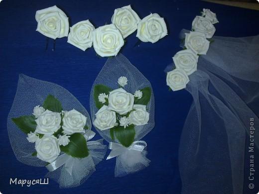 сделано в подарок невесте (племяннице), а платье будет сфотографировано уже после свадьбы....)))). На самом деле шпилек с розами 10 штук и фата пришита аккуратненько, но сфотать уже не успела- отобрали родственники невесты и увезли(... ждем торжества и фото в полном комплекте с платьем :) фото 1