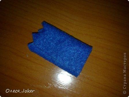 Решила поделиться МК по созданию такого браслета. Для браслета длиной 20 см нам потребуется: Шерсть для валяния красного, желтого и синего цвета (цвета можно выбирать любые) Вода, мыло Иголка, ножницы, полотенце, терка. Для цветка: 1 синий лоскут флиса, 1 зеленый, 1 белый, 1 черный. Нитки зеленые, черные.  Шпажка, клей, ножницы. Ну что ж, приступим. фото 23