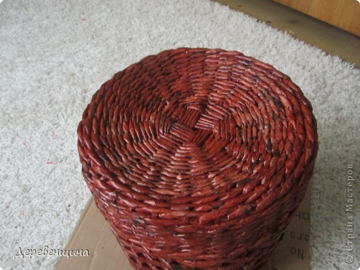 Мастер-класс Плетение ленивый табурет и грибная поляна  Трубочки бумажные фото 12