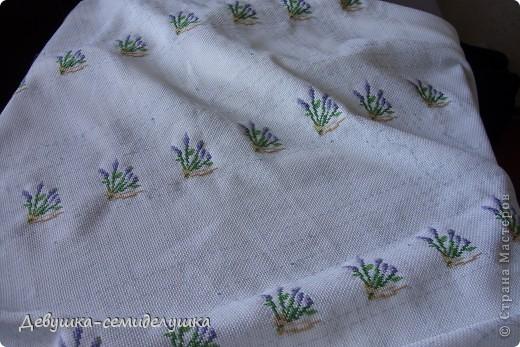 Саше - подушечка с ароматизаторами, предназначенная для ароматизации белья или отпугивания моли. Так как свадьба дочери планируется в лавандовом стиле, то саше содержит цветы лаванды. фото 5