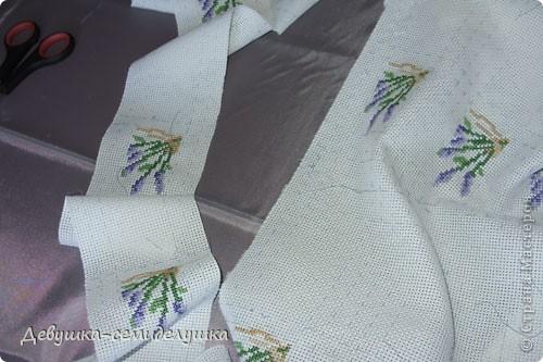 Саше - подушечка с ароматизаторами, предназначенная для ароматизации белья или отпугивания моли. Так как свадьба дочери планируется в лавандовом стиле, то саше содержит цветы лаванды. фото 7