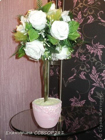 Топиарий из белых роз