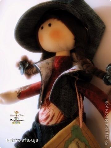 Увидев в нете куклы Т. Коннэ я в них просто влюбилась. Пошарила по нету нашла выкройку и приступила к работе. И вот что у меня получилось, рост куклы 31 см. фото 4