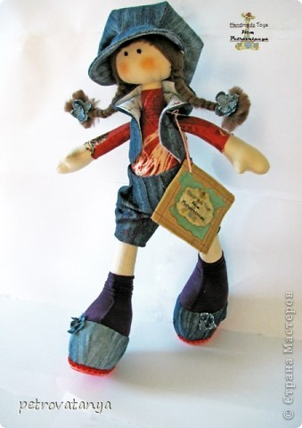 Увидев в нете куклы Т. Коннэ я в них просто влюбилась. Пошарила по нету нашла выкройку и приступила к работе. И вот что у меня получилось, рост куклы 31 см. фото 3