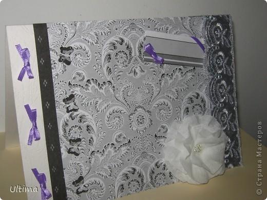 Участвую в экспресс-задании от хомячка, увидела тему бабочки и кружево http://homyachok-scrap-challenge.blogspot.com/2012/05/10.html , сразу пришла идея для открытки подруге на день рождения. Она жгучая брюнетка, обожает гипюр и кружево. Получилось немного мрачновато, добавила сиреневых бантиков. Цветок из гофрированной бумаги, серединка бисер, белое кружево, бумага для скрапбукинга, дырокольные бабочки. фото 3
