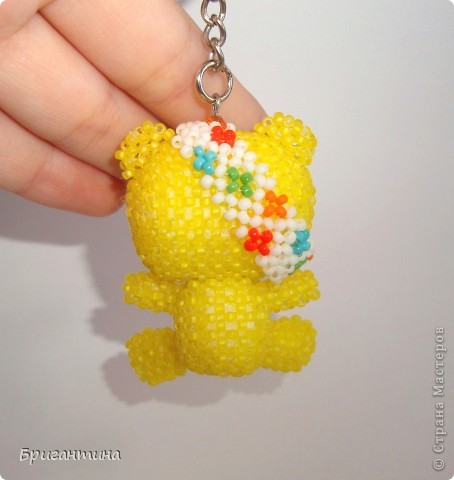 По примеру китайских звериков сделала своего любимого Падси! Здесь мой первый жёлтый мишка в мозаичном плетении http://stranamasterov.ru/node/288857. Падси (Pudsey). Традиционный Падси – желтый медведь с перевязанным правым глазом. фото 3