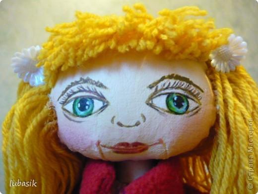 Увидела в Стране призыв к совместному пошиву таких очаровательных куколок большеножек http://stranamasterov.ru/node/371127?c=favorite . Там же дана выкройка и мастер класс.  Не могла устоять. И пошилась у меня такая девочка Катюшка. Шила такую куколку в первый раз и наделала много ошибок, но в конце концов на свет появилась моя Катерина.  фото 3