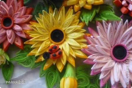 Доброго времени суток ! Сегодня у меня вот такое летнее настроение. За окном вторую неделю больше + 40... Цветет уже все, опережая природный график. И у меня появилась картина с летними цветами в подарок на День Рождение. Герберы делала по МК Ларисы Засадной. фото 6