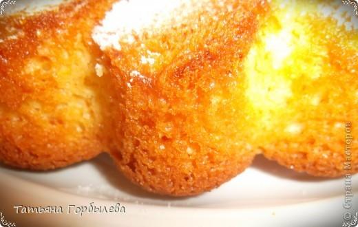 Апельсиновый пирог. Ну очень апельсиновый, очень ванильный, очень сладкий!!!! Форма та же, содержимое другое, но все по порядку.Пирог готовится быстро и просто.Рецептик подглядела на сайте Delo -Vcusa.ru.Автор Анастасия. фото 6