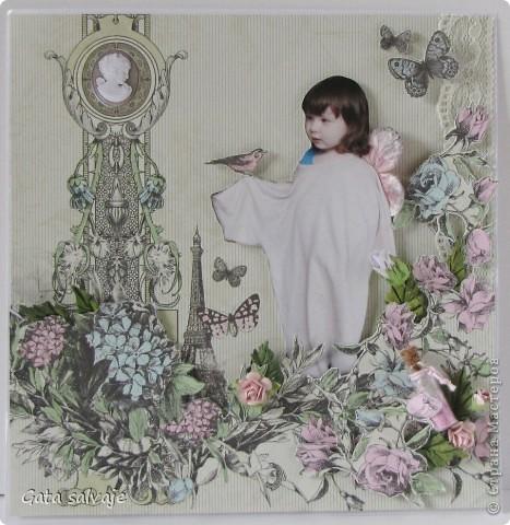 Страничка с моей дочкой.  Бумага KaiserCraft, цветы розы, гортензия, листочки, бутылек, вощеный шнур, птичка, бабочки и розы для объема из той же бумаги, немножко подрисовки акварельными карандашами, мелок, кружево, много-много объемного скотча. фото 1
