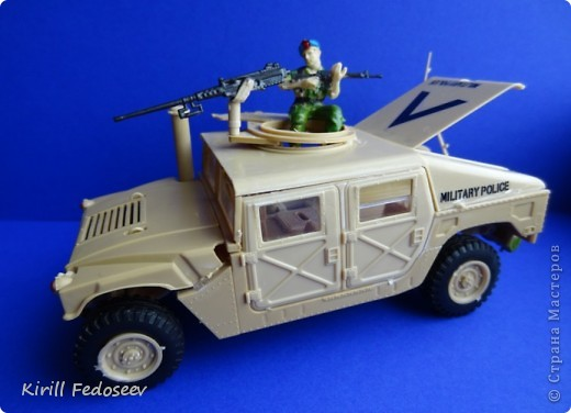 """Добрый день, """"СТРАНА МАСТЕРОВ""""!  Сегодня  хочу показать модель армейского автомобиля «HUMMER». Масштаб модели 1:35  фото 1"""