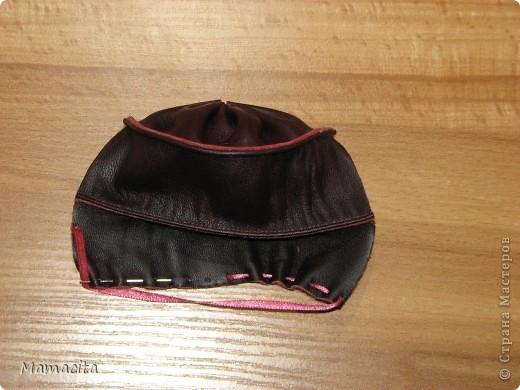 Гардероб Мастер-класс Поделка изделие Шитьё Кожаная сумочка для куклы МК Кожа Ленты фото 6