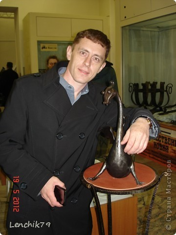 """Представляю Вашему вниманию творения замечательных мастеров увиденых мной на """"Ночи в музее"""" 19 мая 2012 года. Даже и не верится что вся эта красота из метала. Шикарный светильник и Я! фото 4"""