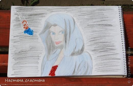 Нимуэ — одна из нескольких женщин, имевших титул Главной Девы Озера. Это может привести к некоторой путанице, так как имя Владычица Озера может относиться, среди прочих, к Моргане, или духу воды, которая воспитала Ланселота и восстала из воды, чтобы дать, а позднее взять обратно Экскалибур. фото 1