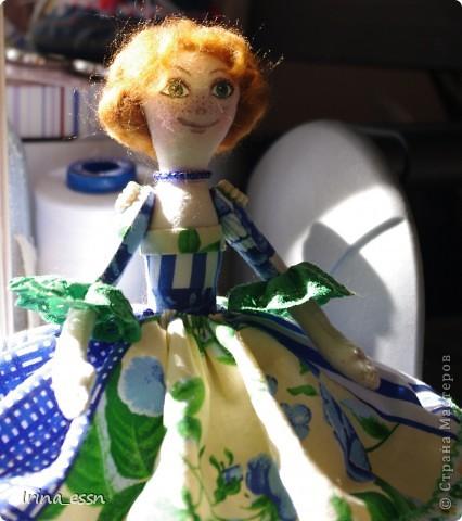 Очень люблю игрушки Елены - Nkale, часто они для меня источник вдохновения. Вот и благодаря МК по весенней феечке http://stranamasterov.ru/node/162043 у меня поселились две золотоволосые феечки. Только не долго они у меня погостили - улетели в новые дома )))) фото 2