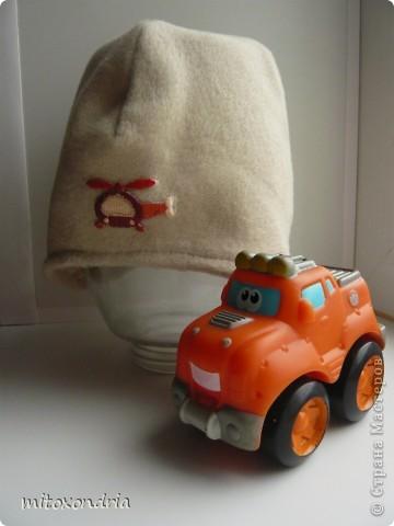 На земле уже лето, а на севере погода удивляет своей неожиданностью: то +30, то +3. Экстренно понадобилось найти головной убор-на выходных похолодало, а шапку забыли в детском саду. За четверть часа шапка была готова! фото 1