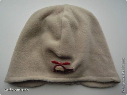На земле уже лето, а на севере погода удивляет своей неожиданностью: то +30, то +3. Экстренно понадобилось найти головной убор-на выходных похолодало, а шапку забыли в детском саду. За четверть часа шапка была готова! фото 2