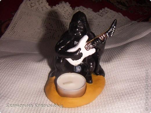 Дарт Вейдер, играющий у костра на электрогитаре (такова была фантазия заказчика:)) Керапласт, акрил фото 1