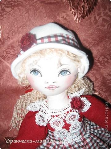 Предлагаю Вашему вниманию ещё одну куклу-большеножку! Рост куколки - 32 см. По-моему, получилась приветливая симпатичная девушка! фото 3