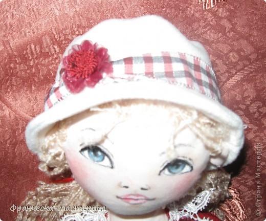 Предлагаю Вашему вниманию ещё одну куклу-большеножку! Рост куколки - 32 см. По-моему, получилась приветливая симпатичная девушка! фото 4
